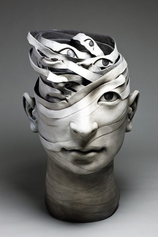 Ceramic sculpture by Haejin Lee